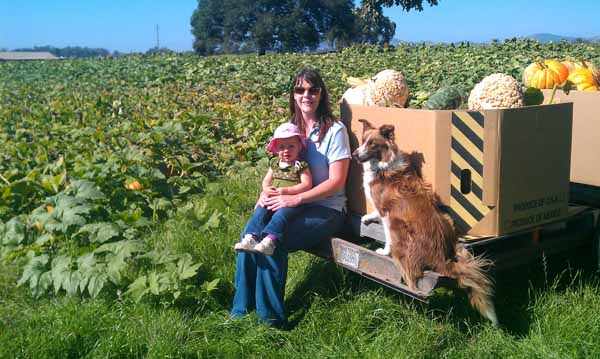 Cindy & Kimberly at the Petaluma Pumpkin Patch